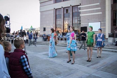 想去俄罗斯读书,可以发几张喀山联邦大学的校园照片吗?